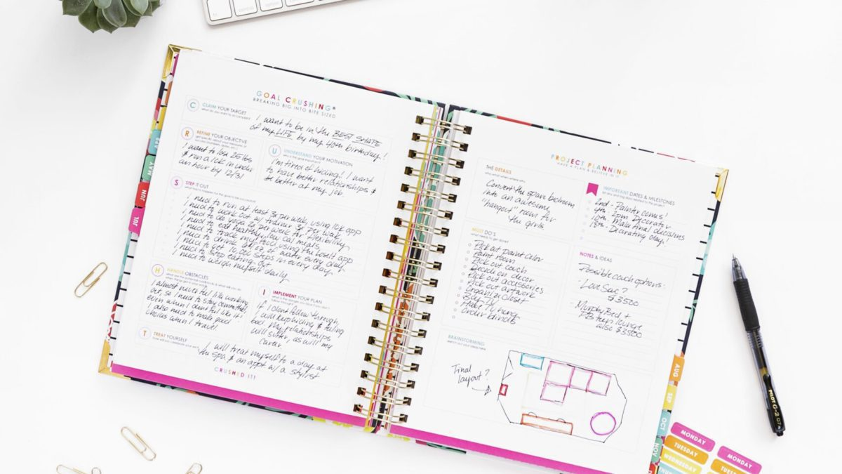 Image of Live Well Spending Less Planner  & Link to purchase that Planner