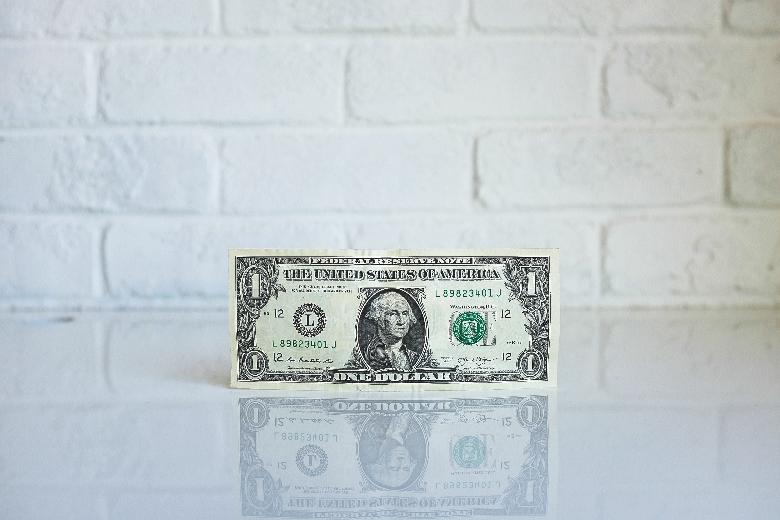 11+ Ways to Save Money on Household Bills and Monthly Outgoings