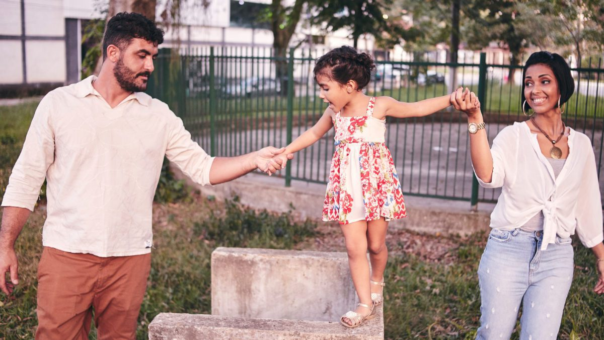 Strength-based parenting can help you raise positive, well-rounded, and assertive children. They won't be afraid to take on the world, take on a new challenge, or go after their dreams with a solid foundation. #parenting #strengthbasedparenting