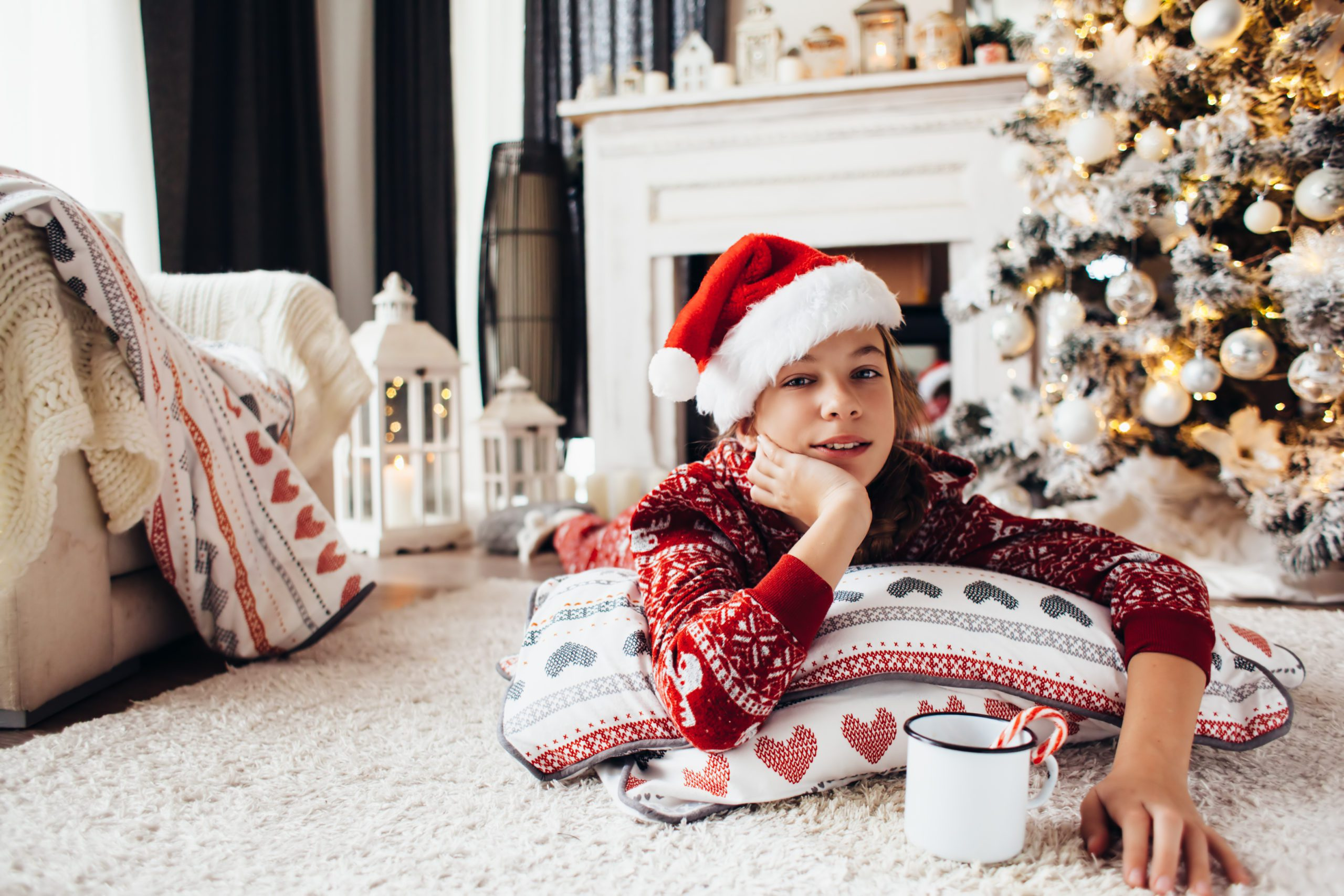 The holidays can be stressful for every, including children. Check out these tips to Help Your Kids Unwind During the Holidays #Christmas #Holidays #Winter #Parentingtips #relax