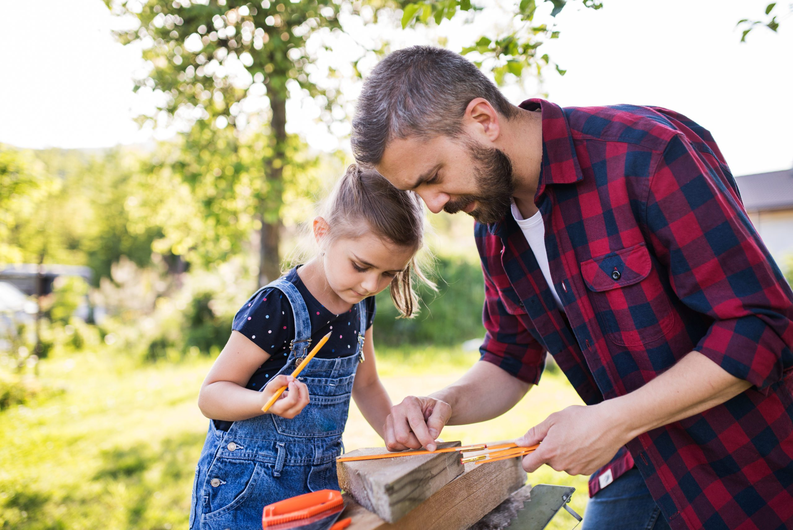 Dad's Involvement is Crucial when Parenting Kids with Autism. Find out what difference a Father's role can make in raising autistic daughters #autismparenting #asd #autism #themomkind