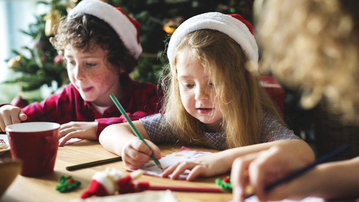 Looking for holiday activities for older kids? Check out these top 6 Holiday Hosting Ideas for Entertaining Older Kids this year!
