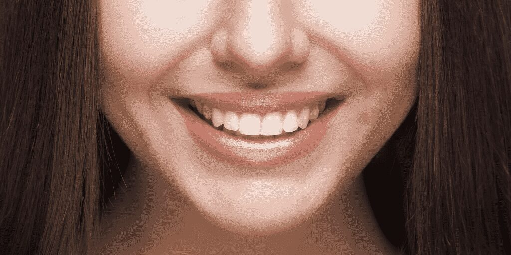 Hollywood smile: Looking to achieve perfect and pearly teeth like your favorite stars? Discover the dos and don'ts of getting the Hollywood smile #dental #smiles